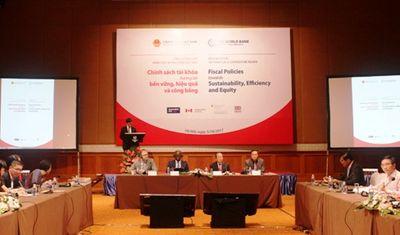 Nợ công Việt Nam đối mặt nhiều rủi ro - ảnh 1