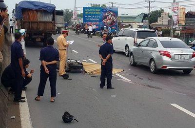 3 thanh niên đi xe máy tử vong sau cú tông mạnh với xe tải - ảnh 1