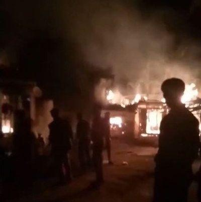 Nghi thua độ sau trận đấu của U23 Việt Nam, con châm lửa đốt nhà bố mẹ - ảnh 1
