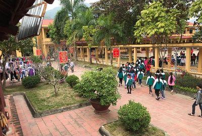 Vụ Hiệu trưởng dâm ô học sinh ở Phú Thọ: Lời xin lỗi muộn và nỗi đau dai dẳng của con trẻ - ảnh 1