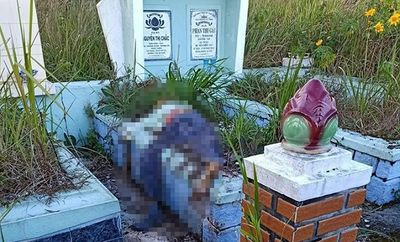 Đi viếng mộ, rợn người phát hiện thi thể úp mặt lên ngôi mộ - ảnh 1