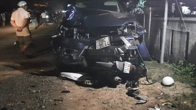 Xe bán tải gây tai nạn thảm khốc, 4 người chết, 3 người bị thương nặng - ảnh 1