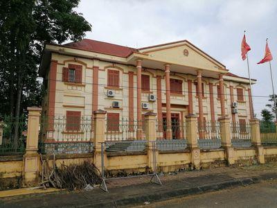 Vụ Chánh văn phòng TAND huyện bị bắt sau 26 năm truy nã: Mẹ ruột xác nhận lý lịch để con trai kết nạp Đảng - ảnh 1