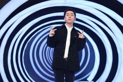 """Đội trưởng Hồng Vân đòi dánh đòn Quang Thắng tại sân khấu """"Ký ức vui vẻ"""" - ảnh 1"""