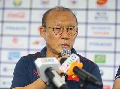 HLV Park Hang-seo tiết lộ thủ môn trận U22 Việt Nam gặp U22 Campuchia? - ảnh 1