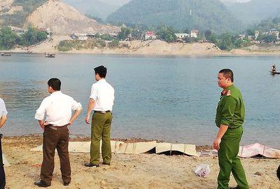 Vụ 8 học sinh chết đuối trên sông Đà: Lời kể thắt lòng của người vớt thi thể nạn nhân - ảnh 1