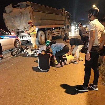 Hà Nội: Thiếu tá CSGT bị nam sinh tông trọng thương khi đang làm nhiệm vụ - ảnh 1