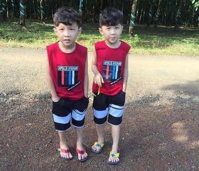 Tích cực tìm kiếm hai bé trai sinh đôi 7 tuổi mất tích, để lại xe đạp cách nhà 500 m - ảnh 1