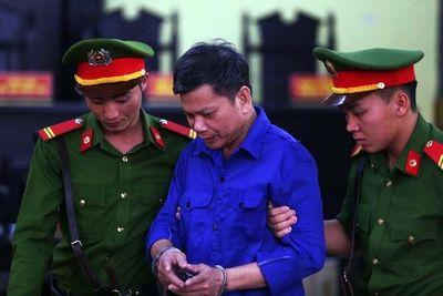 Vụ gian lận điểm thi THPT quốc gia ở Sơn La: 12 bị cáo hầu tòa - ảnh 1