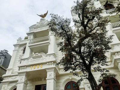"""Choáng ngợp với """"lâu đài"""" trắng 200 tỷ đồng của nữ đại gia Phú Thọ - ảnh 1"""