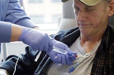 Mỹ phê duyệt liệu pháp điều trị ung thư cách mạng, giá hơn 10 tỷ cho 1 đợt thuốc duy nhất - ảnh 1