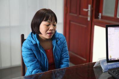 Nữ phóng viên cưỡng đoạt 70.000 USD của doanh nghiệp bị khởi tố - ảnh 1