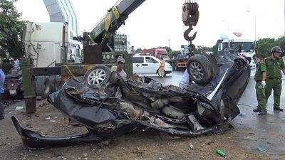 Vụ container tông ôtô 4 chỗ, 5 người chết ở Tây Ninh: Tạm giữ tài xế gây tai nạn - ảnh 1