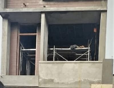 Vụ 2 thợ xây bị điện giật tử vong khi đang làm trần thạch cao: Danh tính nạn nhân - ảnh 1