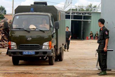 """Bộ Công an đột kích """"xưởng"""" sản xuất ma túy cực lớn ở Kon Tum, thu 13 tấn tiền chất - ảnh 1"""