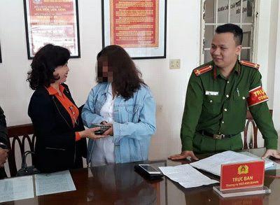 Nữ du khách 18 tuổi bất ngờ nhận lại gần 90 triệu đồng sau 40 ngày đánh rơi ở Đà Lạt - ảnh 1