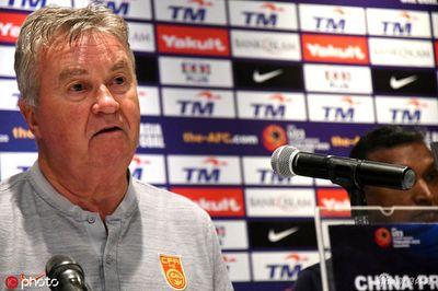 HLV Guus Hiddink bất ngờ rời U22 Trung Quốc sau trận thua U22 Việt Nam - ảnh 1