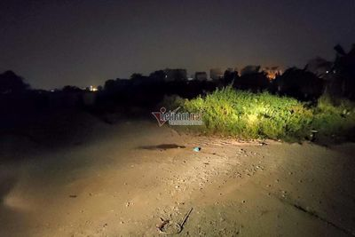 Hà Nội: Phát hiện thi thể tài xế Grabbike 18 tuổi có nhiều vết thương trong bãi đất hoang - ảnh 1