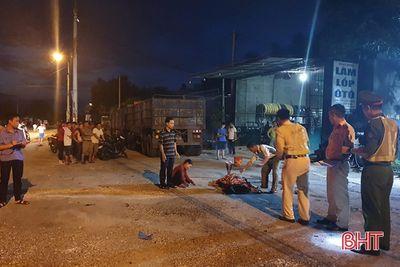 Hà Tĩnh: Tài xế lùi ôtô đầu kéo cán tử vong vợ chủ gara - ảnh 1