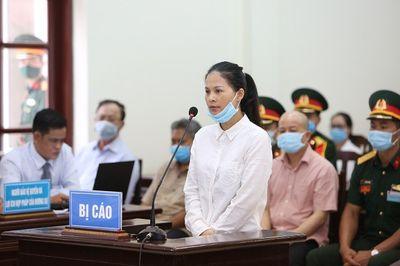 """Xử cựu Thứ trưởng Nguyễn Văn Hiến: Cháu gái Út """"trọc"""" khai làm giám đốc nhưng nhận lương 500.000 đồng/tháng - ảnh 1"""