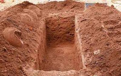 Điều tra vụ đào mộ mẹ vợ vì con rể vay 300 triệu không trả lãi - ảnh 1