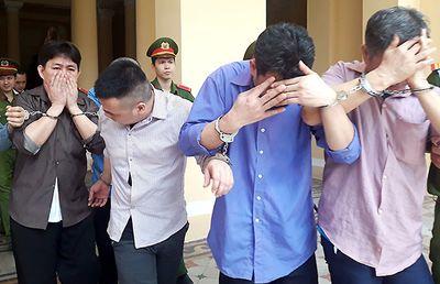 3 anh em ruột lập băng đòi nợ thuê, bắt cóc con nợ sang Campuchia dọa lấy gan thận - ảnh 1