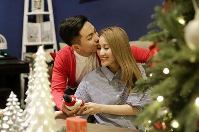Khánh Thi chia sẻ bất ngờ về thông tin sắp làm đám cưới với ông xã kém 12 tuổi - ảnh 1
