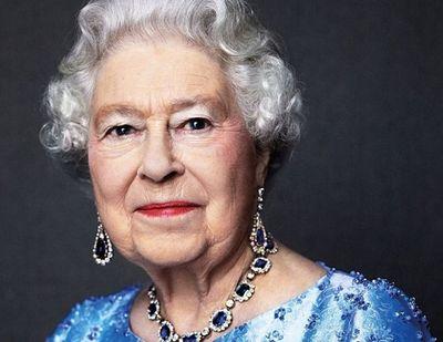 Anh: 41 phát đại bác bắn mừng 65 năm trị vì của Nữ hoàng - ảnh 1