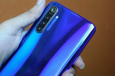 Smartphone 3 camera đã xưa rồi, siêu phẩm điện thoại 4 camera sau, giá gần 8 triệu đồng vừa chính thức lên kệ - ảnh 1