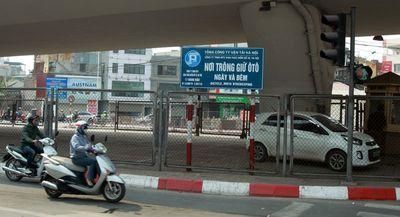 Hà Nội đề xuất trông xe dưới gầm cầu: Bộ Giao thông Vận tải nói gì? - ảnh 1