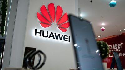 """Huawei nhận thêm cú sốc: Microsoft quay lưng giữa """"tâm bão"""" danh sách đen - ảnh 1"""