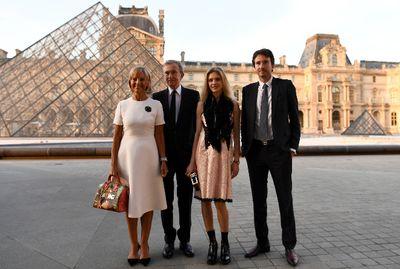 """Chân dung """"ông trùm"""" thời trang Pháp vừa gia nhập """"câu lạc bộ"""" tài sản 100 tỷ USD - ảnh 1"""