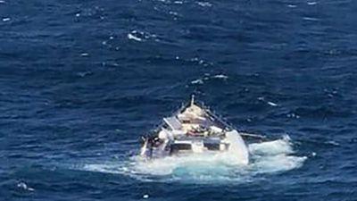 """Siêu du thuyền 38 triệu USD rơi khỏi tàu rồi chìm dưới Địa Trung Hải, tỷ phú Ý chỉ biết """"khóc ròng"""" - ảnh 1"""