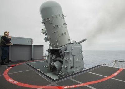Sức mạnh của khẩu pháo cao tốc, nhanh tới nỗi không thể nghe được tiếng đạn rời nòng - ảnh 1