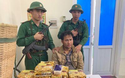 Cuộc chiến cam go với tội phạm buôn lậu tuyến biên giới ngày càng liều lĩnh - ảnh 1