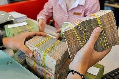 NHNN ra công điện khẩn, tiền cũ nộp về ngân hàng phải được phun thuốc khử khuẩn - ảnh 1