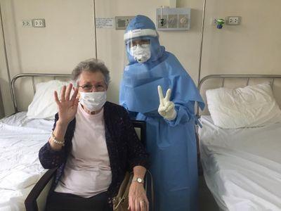 """Y bác sỹ ở Huế ký đơn tình nguyện vào nơi """"hỏa tuyến"""" chống dịch Covid-19 - ảnh 1"""