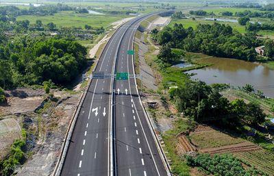 Báo cáo Bộ Chính trị về đề xuất chuyển hình thức đầu tư cao tốc Bắc – Nam - ảnh 1