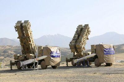 Sau lời đe dọa của Mỹ, Iran ráo riết đưa hàng chục hệ thống tên lửa tới eo biển Hormuz - ảnh 1