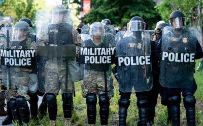 """Washington sắp đối mặt """"sóng thần"""" biểu tình, Nhà Trắng bố trí lính bắn tỉa ứng phó - ảnh 1"""