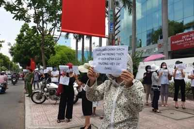 Bất đồng về học phí, trường Quốc tế Việt Úc từ chối dạy 40 học sinh - ảnh 1
