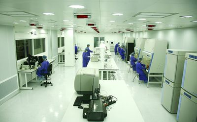 Vinmec thực hiện thành công ca ghép tế bài gốc chữa xơ phổi đầu tiên trên thế giới - ảnh 1