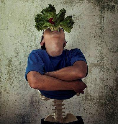 Xem bộ ảnh loạt tả về thực phẩm bẩn đầy chân thực của chàng trai 18 tuổi - ảnh 1