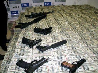 Choáng với cảnh tượng nhìn thấy trong nhà trùm buôn lậu ma túy Mexico - ảnh 1