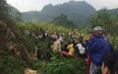 Hoà Bình: Phát hiện thi thể nam giới đang phân huỷ dưới đèo Thung Khe - ảnh 1