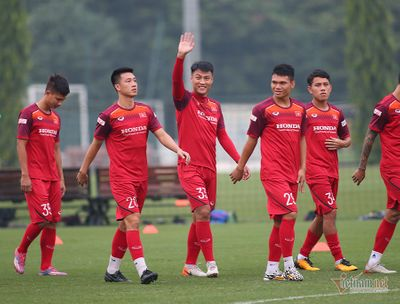 HLV Park Hang Seo loại Mạc Hồng Quân khỏi danh sách thi đấu   - ảnh 1