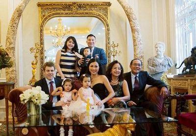 Cận cảnh biệt thự nghìn mét vuông của Hoa hậu giàu nhất Việt Nam - ảnh 1