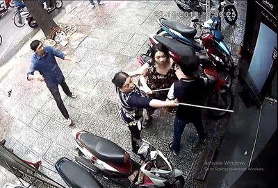 Bị hàng xóm đánh nhập viện vì mâu thuẫn vũng nước trước nhà - ảnh 1