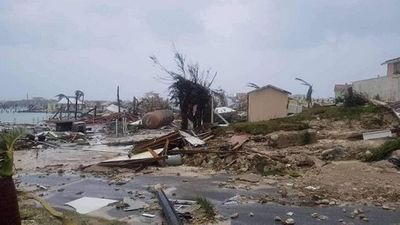 Siêu bão Dorian càn quét Bahamas, tiếp tục thẳng tiến đến Florida - ảnh 1