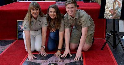 """""""Người săn cá sấu"""" quá cố bất ngờ được vinh danh trên Đại lộ Danh vọng Hollywood - ảnh 1"""